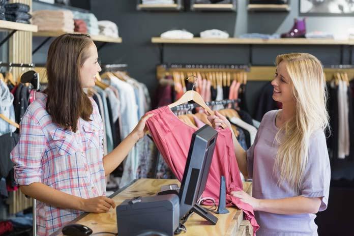 Atención al cliente en comercio textil