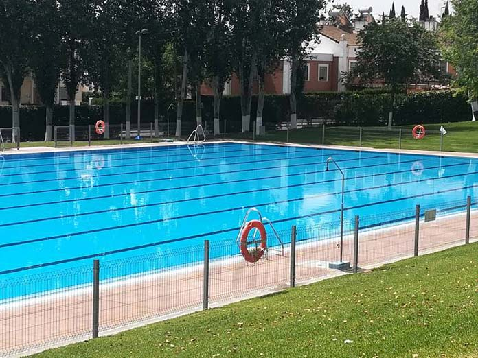 piscina municipal de verano de Montequinto